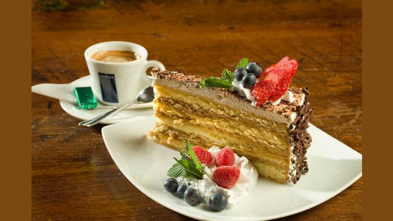 Dessert Espresso & Tiramisu Cake